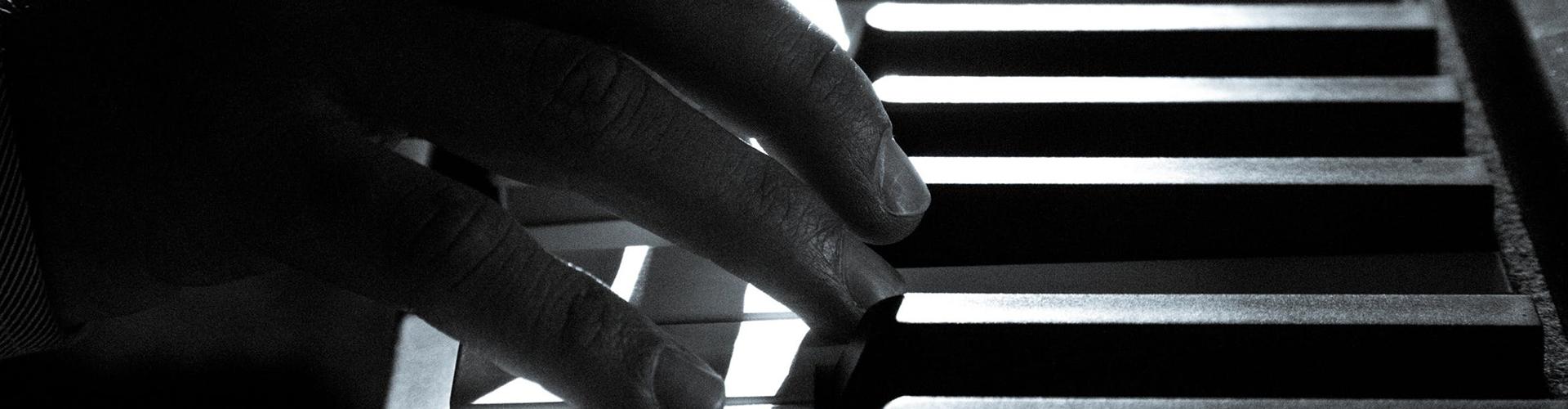 Piano wide